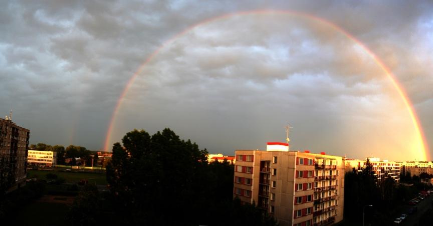 http://www.obsupice.cz/new/_data/_clanky2006/20060521/duha_t.jpg